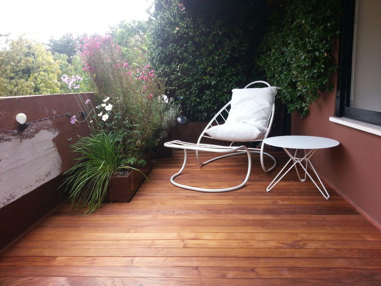 Legno per balconi idee per interni e mobili for Mobili per interni