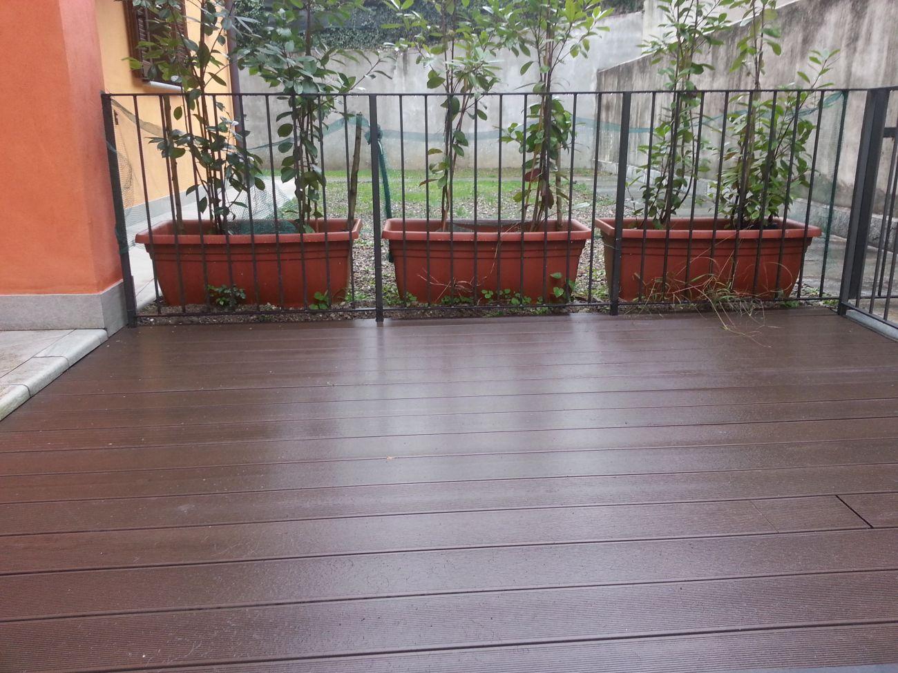 Cool per esterni parquet per esterni decking pavimento da for Pavimenti x esterni ikea