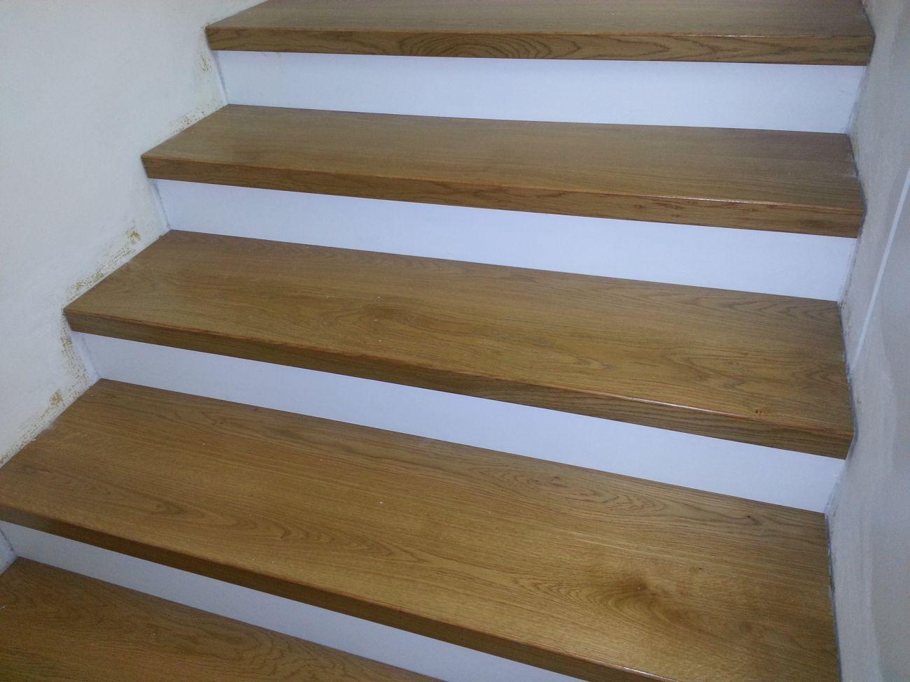 Parquet per esterni soriano pavimenti in legno - Rivestimenti scale interne in legno ...